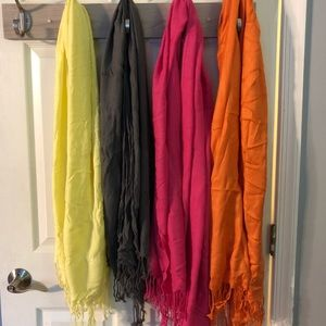 Set of 4 pashmina scarves
